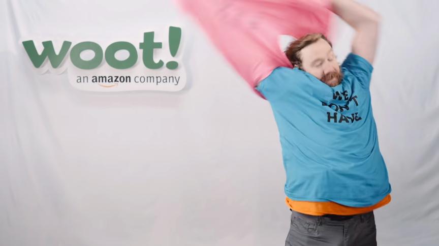 視聴者にスキップさせない、Amazonのコント仕立てのプリロール広告